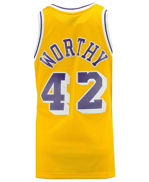 quality design cd458 52c18 Mithcell & Ness Men's James Worthy Los Angeles Lakers Hardwood Classic  Swingman Jersey