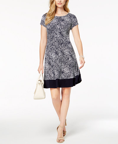 Connected Petite Printed Cap-Sleeve Shift Dress