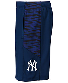 Outerstuff New York Yankees Caught Looking Shorts, Little Boys (4-7)