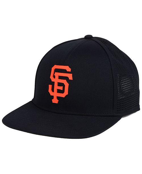 timeless design d3074 ad1e2 ... Under Armour San Francisco Giants Supervent Cap ...