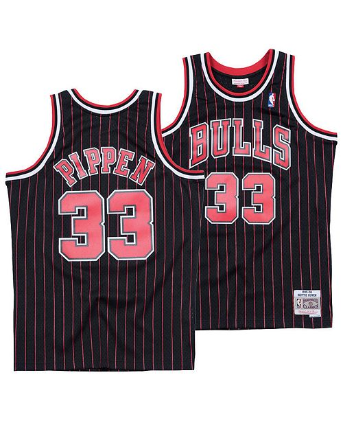 662ac4657 ... Mitchell   Ness Men s Scottie Pippen Chicago Bulls Hardwood Classic  Swingman Jersey ...