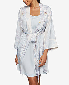A Pea In The Pod Nursing Nightgown & Robe