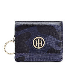 Tommy Hilfiger High Shine Camo Coated Canvas Card Case