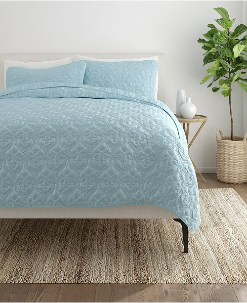 ienjoy Home Home Collection Premium Ultra Soft Damask Pattern Quilted Coverlet Set