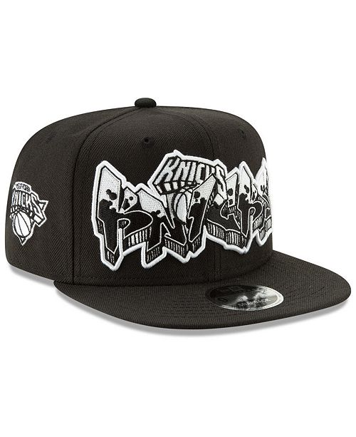 dd89a696d655a ... New Era New York Knicks Retroword Black White 9FIFTY Snapback Cap ...
