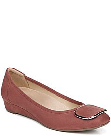 Naturalizer Courtney Pumps