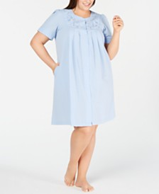 Miss Elaine Plus-Size Embroidered Seersucker Gripper Robe