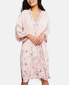 A Pea In The Pod Maternity Robe