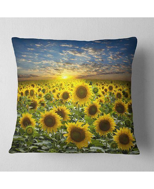 """Design Art Designart 'Field of Blooming Sunflowers' Flower Throw Pillow - 16"""" x 16"""""""