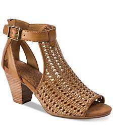 Baretraps Reatha in Cleveland Sandals