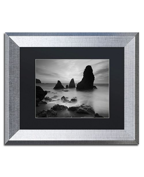 """Trademark Global Moises Levy 'Rodeo Beach I Black and White' Matted Framed Art - 14"""" x 11"""" x 0.5"""""""