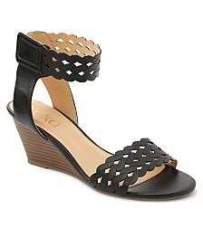 XOXO Scottsburg Lattice Wedge Sandals