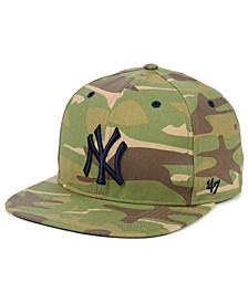 New York Yankees Blockade Strapback Cap