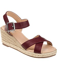 Journee Collection Women's Comfort Dryden Wedges