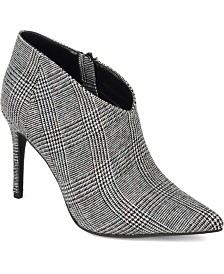 Journee Collection Women's Demmi Booties