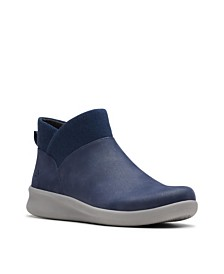 Clarks CloudSteppers Women's Sillian 2.0 Dusk Booties