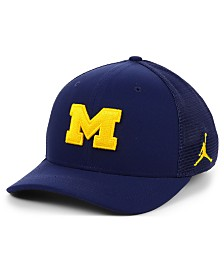 Jordan Michigan Wolverines Aerobill Swooshflex Stretch Fitted Cap
