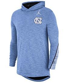 Nike Men's North Carolina Tar Heels Hooded Sideline Long Sleeve T-Shirt