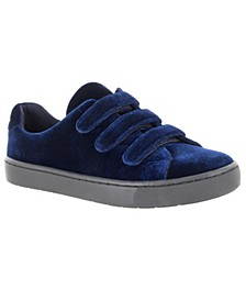 Sport Strive Sneakers