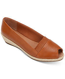 Gentle Souls by Kenneth Cole Women's Luci Ruffle A-Line Espadrille Wedges