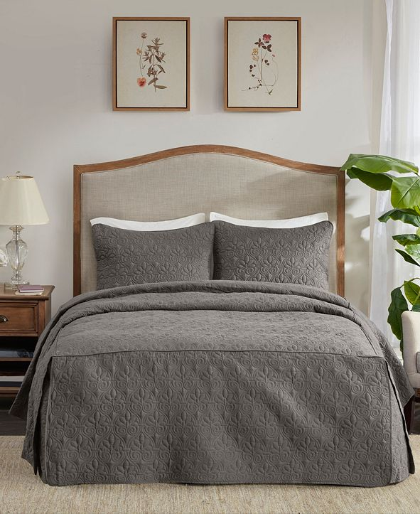 Madison Park Quebec 3 Piece Queen Fitted Bedspread Set