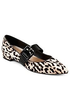 Final Score Pointed Toe Flats
