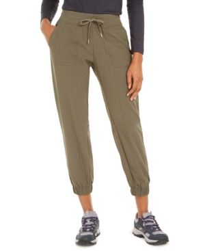 Casual comfort for spur-of-the-moment hikes - the lightweight Avision jogger pants deliver. Unique AirExchange fabric and technology helps provides advanced air permeability and enhanced drying time, so you stay cool and comfortable.