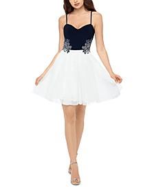 Juniors' Appliqué Dress
