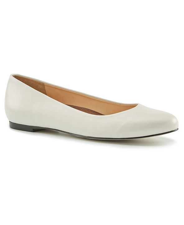 Walking Cradles Women's Bronwyn Flat