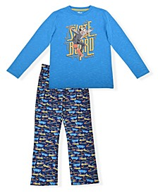 Big Boys Skate Board Print 2 Piece Pajama Set with Cozy Socks