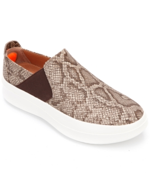 by Kenneth Cole Women's Rosette Slip-On Flats Women's Shoes