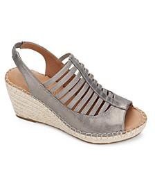 by Kenneth Cole Women's Charli Elastic Slingback Sandals