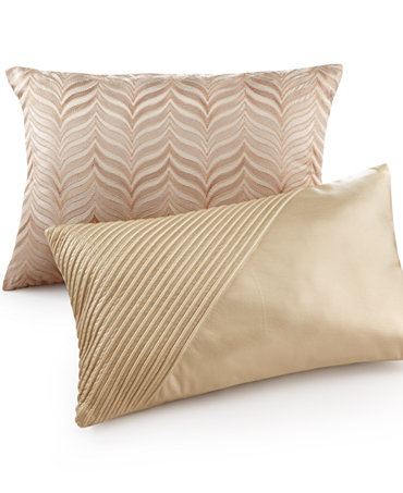 pillow collection decorative throw pillows bed bath mac