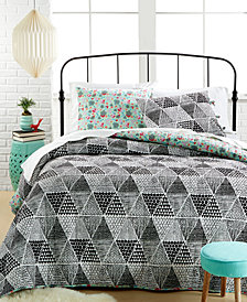 CLOSEOUT! Katkow 3-Piece Queen Quilt Set