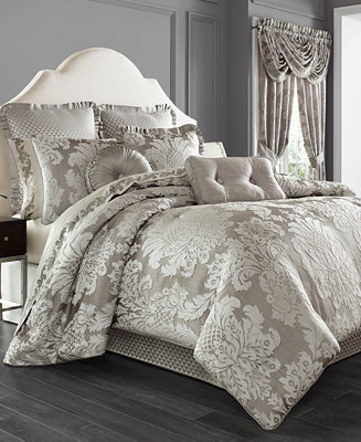 J Queen New York Chandelier 4 Pc Bedding Collection