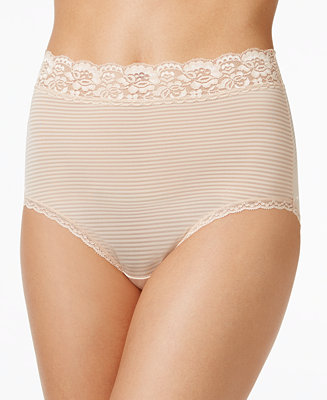 Vanity Fair Flattering Lace Stretch Brief 13281 Lingerie