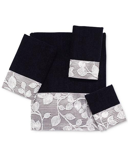 Avanti Branches Fingertip Towel