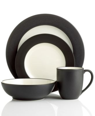 Colorwave Rim 4-Piece Place Setting