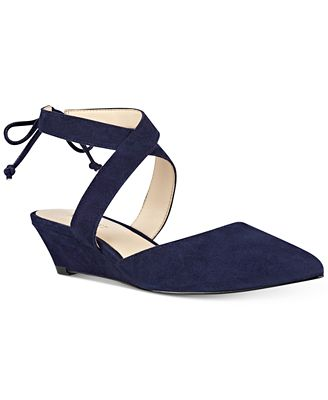 Nine West Elira Pointed-Toe Two-Piece Wedges
