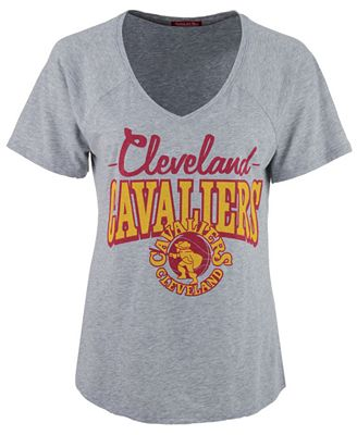 Mitchell & Ness Women's Cleveland Cavaliers Score V-Neck T-Shirt