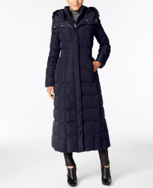 SIGNATURE HOODED DOWN MAXI PUFFER COAT