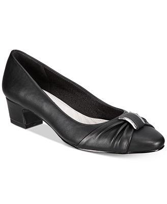 Easy Street Eloise Pumps Women's Shoes
