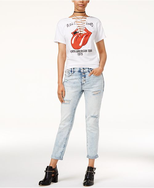 Juniors' Rolling Stones T-Shirt & Black Daisy Ripped Boyfriend Jeans