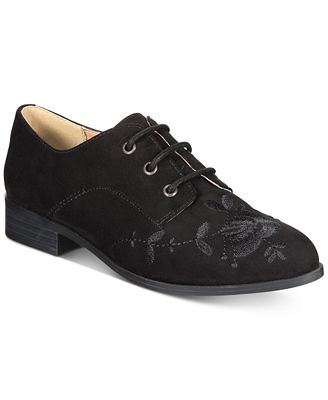 Esprit Clara Lace-Up Oxford Flats