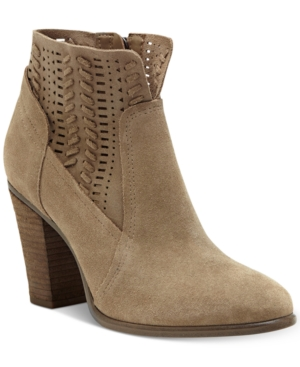 Vince Camuto Fenyia Woven...