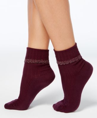 Image of HUE Women's Scallopped Pointelle Socks