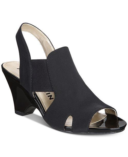 Grand Slingback Sandals