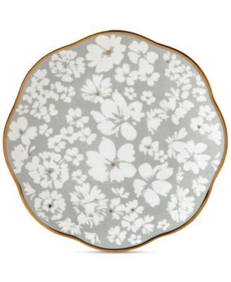 Scattered Petals Accent Plate