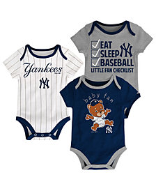 Outerstuff New York Yankees Play Ball 3-Piece Set, Infants (12-24 Months)
