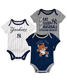 Outerstuff New York Yankees Play Ball 3-Piece Set, Infants (12-24 Months)